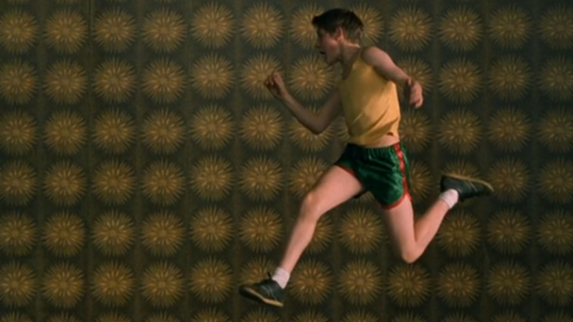billy elliot the movie review Billy elliot movie review summary actors:  a strike at the only mine in town destabilizes the elliot's poor family that is treating billy as a scapegoat.